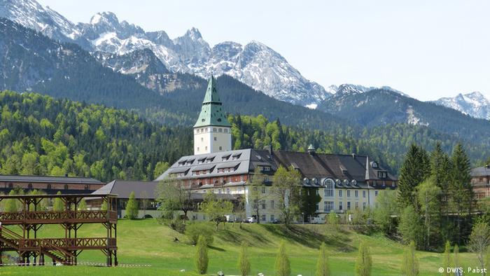 Schloss Elmau vor dem Wettersteingebirge (Foto: DW/S. Pabst)