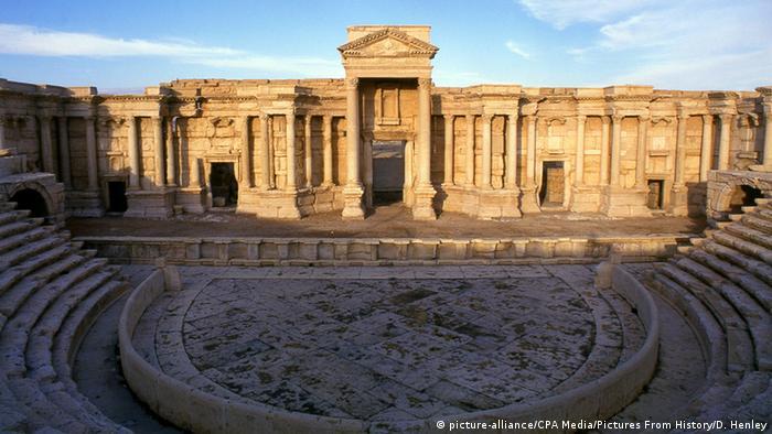 EI coloca explosivos em ruínas de Palmira
