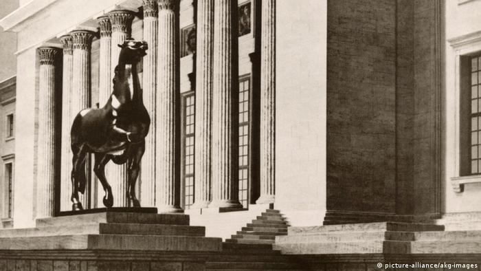 Modell Pferdeskulptur von Josef Thorak Gartenfront Neue Reichskanzlei