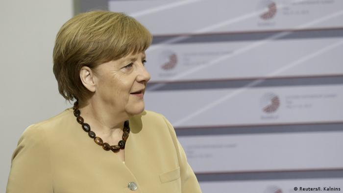 EU Gipfel Riga Merkel mit Tsipras (Reuters/I. Kalnins)