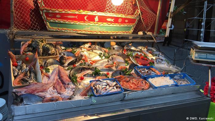 Italien Fischmarkt auf Sizilien