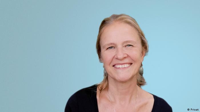 help to write research paper Cornelia Funke biography