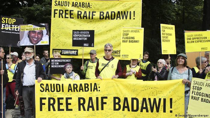 Berlin Demonstration für die Freilassung Raif Badawis (imago/Mauersberger)