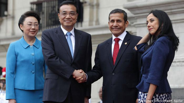 Nadine Heredia with her husband and China's prime minister Li Keqiang in May.