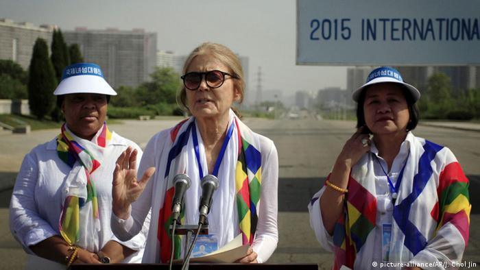 Activistas cruzan frontera entre las Coreas por la paz