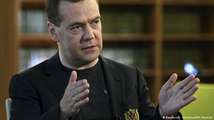 Russian Prime Minister Dmitry Medvedev speaks during an interview in Moscow region, Russia, May 22, 2015 (Photo: REUTERS/Ekaterina Shtukina/RIA Novosti/Pool)
