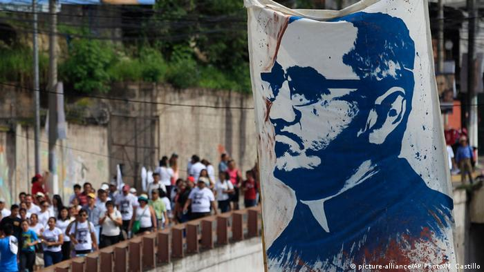 Archbishop Oscar Romero, murdered in 1980 will be named a saint in 2018