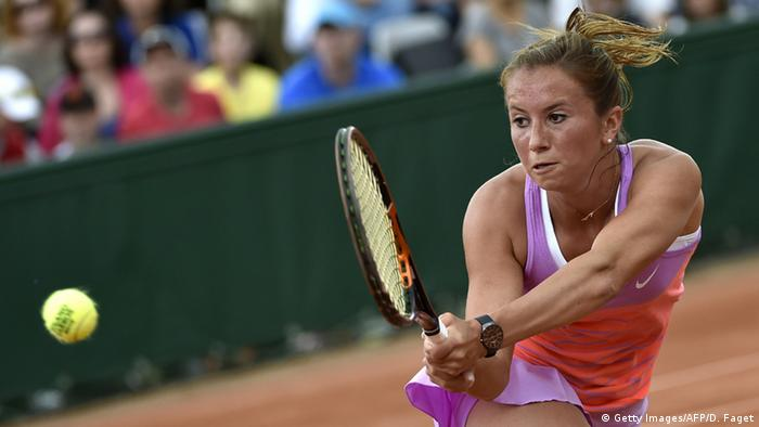 Annika Beck plays against Agnieszka Radwanska