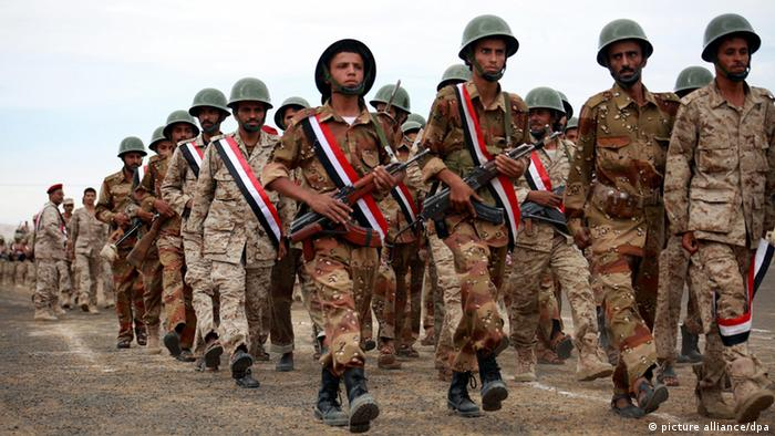 Jemen Militärparade in der Provinz Marib