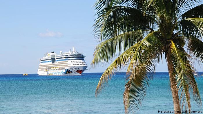 Símbolo del turismo: un crucero por el Caribe.
