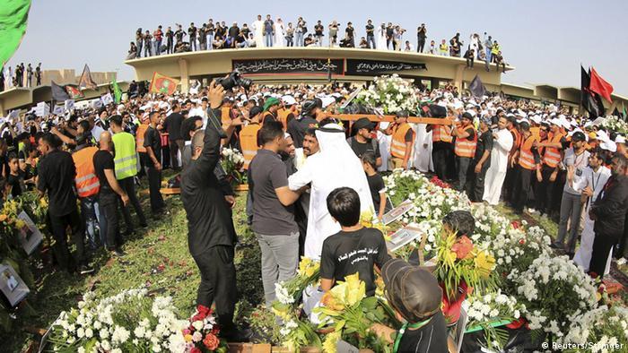 Saudi-Arabien Beisetzung Opfer Anschlag auf schiitische Moschee in Qatif