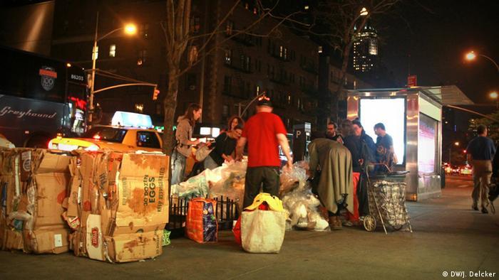 The Freegans' 'trash tour' of New York