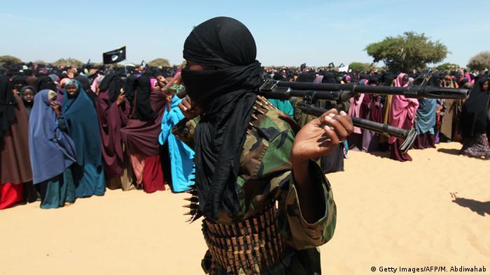 Ein Kämpfer der islamistischen Al-Shabaab Miliz in Südsomalia. Foto: Mohamed Abdiwahab/AFP/Getty Images