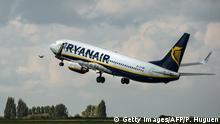 Symbolbild Ryanair Flugzeug hebt ab