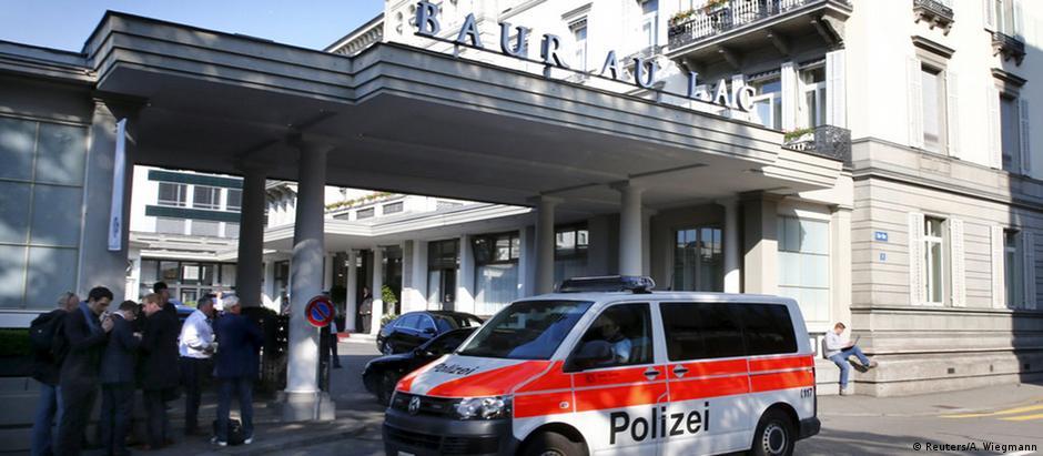 Hotel onde foram realizadas as prisões, em Zurique
