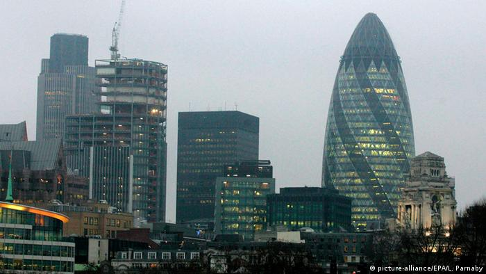 Bildergalerie Norman Foster Gherkin London (picture-alliance/EPA/L. Parnaby)