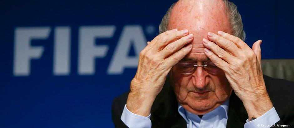 O presidente da Fifa, Joseph Blatter, é o favorito para vencer a eleição da entidade máxima do futebol