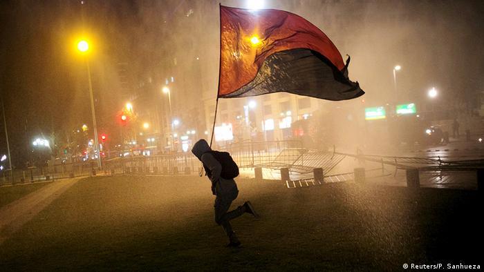 Chile Demonstration gegen Polizeigewalt in Santiago (Reuters/P. Sanhueza)