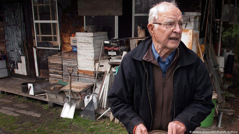 Suposto criminoso nazista morre no Canadá | DW | 29.05.2015