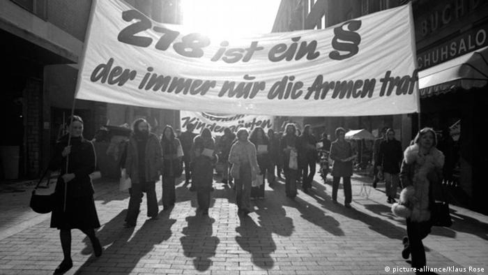 Bonn Demonstration gegen Paragraph 218 (picture-alliance/Klaus Rose)