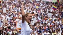 Lilian Tintori auf einer Demonstration in Caracas (picture-alliance/dpa)