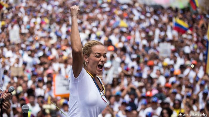 VENEZUELA: Lilian Tintori, �candidata parlamentaria?