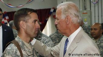 Joe und Beau Biden 2009 im Irak