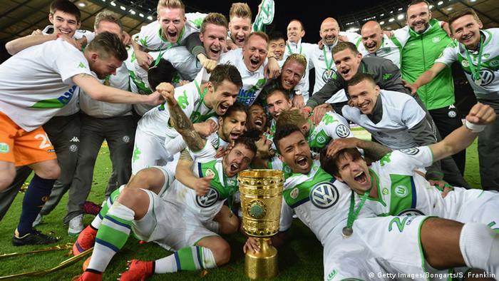 DFB-Pokal ,Finale, Dortmund ,Wolfsburg Jubel Siegerfoto