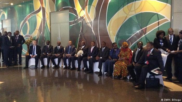 Krisengipfel der Ostafrikanischen Gemeinschaft zu Burundi (Copyright: DW/H. Bihoga)