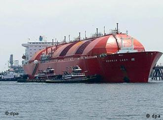 Сжиженный газ перевозится на специально оборудованных для этого танкерах