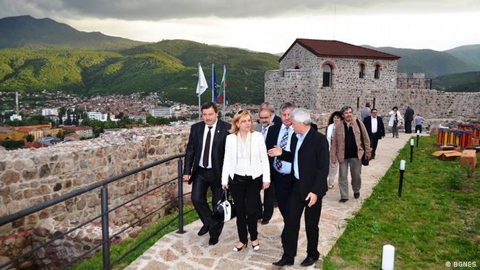Bulgarien nachgebaute Burg in Peshtera