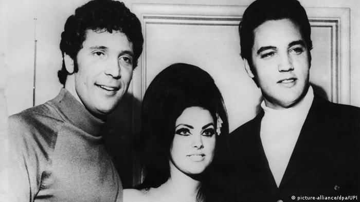 From left to right: Tom Jones, Priscilla Presley and Elvis Presley.