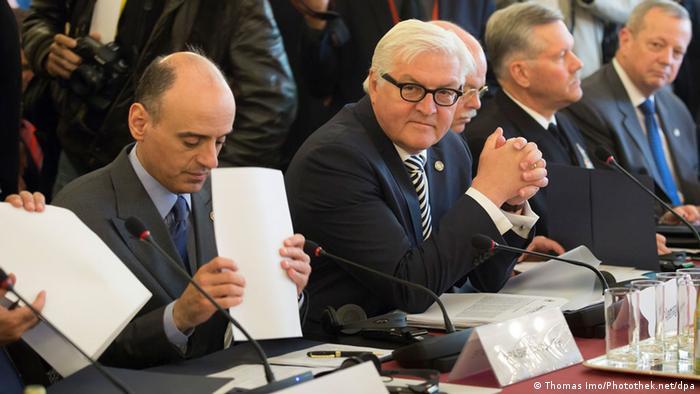 Frankreich Steinmeier bei Konferenz gegen IS-Terrormiliz