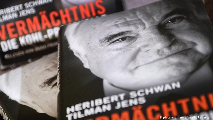 Deutschland Helmut Kohl Buch Vermächtnis. Die Kohl-Protokolle (picture-alliance/dpa/B. Pedersen)