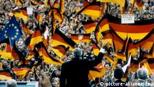 Helmut Kohl - Wahlkampf 1990 (picture-alliance/dpa)