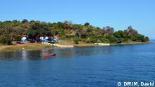 2. Bildbeschreibung: Der Malawisee, einer der größten Afrikanischen Großen Seen. Tansania, Malawi und Mosambik sind die Anrainerstaaten des Sees. 3. Fotograf: DW/Manuel David 4. Wann wurde das Bild gemacht: 2.06.2015 5. Wo wurde das Bild aufgenommen: Niassa / Mosambik