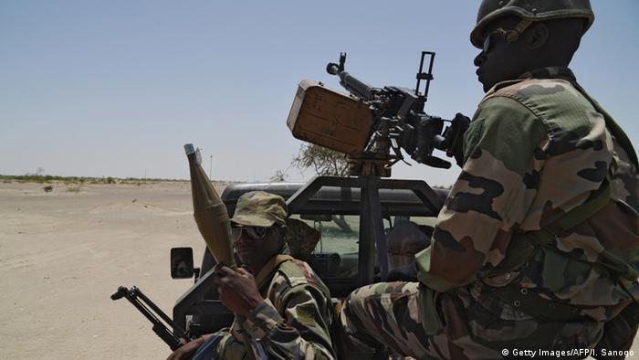 Armata nigeriană se confruntă de ani de zile cu diverse grupări teroriste islamiste