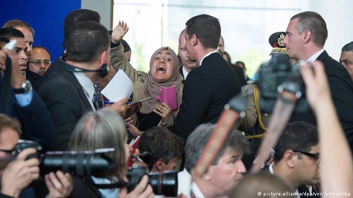 Berlin Pressekonferenz Merkel al-Sisi Eklat Regimegegnerin