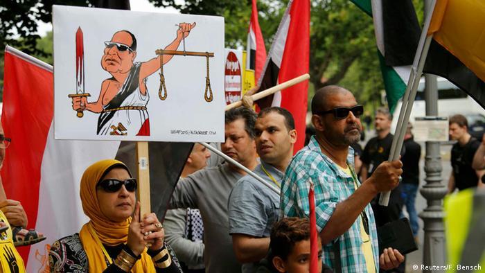 Berlin Besuch al-Sisi Demonstration Regimegegner