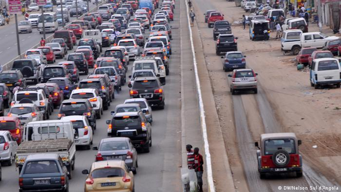 A long traffic jam in Luanda, Angola Copyright: DW/Nelson Sul d'Angola