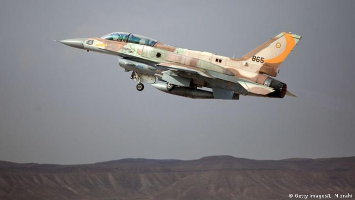 Israel F-16 Kampfflugzeug (Getty Images/L. Mizrahi)