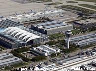 Поліція у ФРН може перевірити в аеропорту, чи школярі, які летять на відпочинок, не прогулюють уроки (на фото: аеропорт Мюнхена)