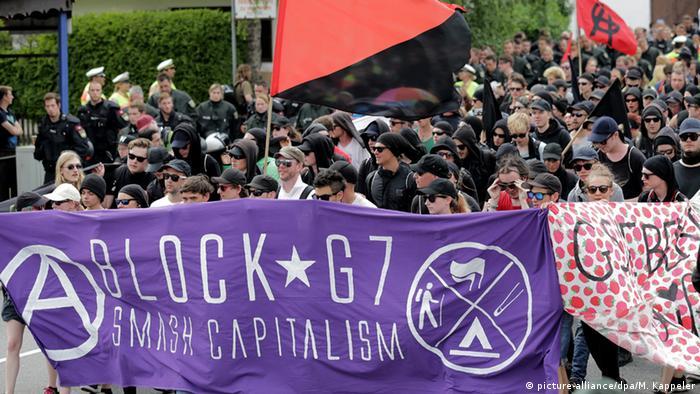 Демонстрация в Гармиш-Партенкирхене против проведения саммита G7
