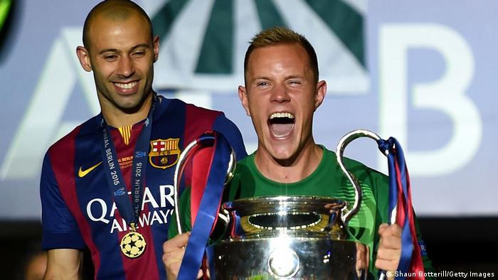 Marc-André ter Stegen mit Champions-League-Pokal