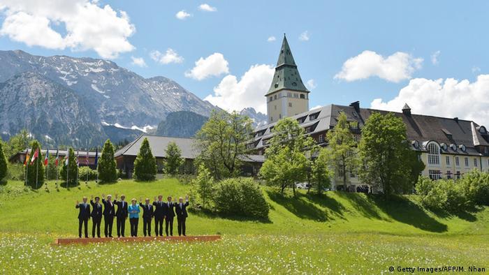 G7 Gipfel : Gruppenfoto der Teilnehmer vor dem Schloss Elmau (Foto: MANDEL NGAN/AFP/Getty Images)