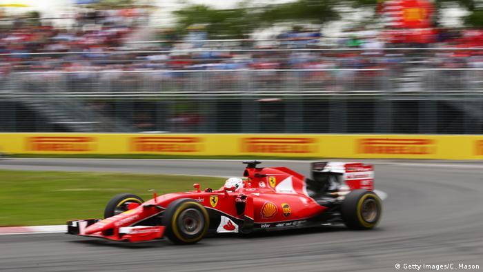Ein Auto während eines Formel 1-Rennens