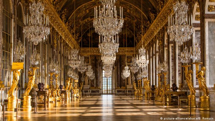 the architecture and design of versailles the palace of the king Want to spend the night at the palace of versailles the hotel du grand controle, a 1680s mansion built on palace grounds for the king's treasurer and vacant since the french revolution, will soon be turned into a luxury hotel.
