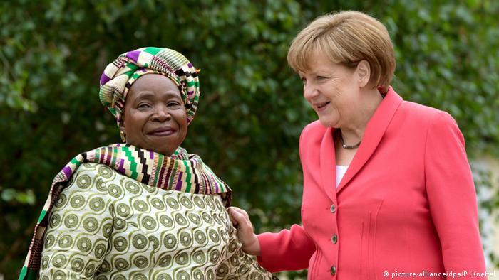 G7 Gipfel Schloss Elmau Outreach Konferenz Merkel und Nkosazana Dlamini-Zuma