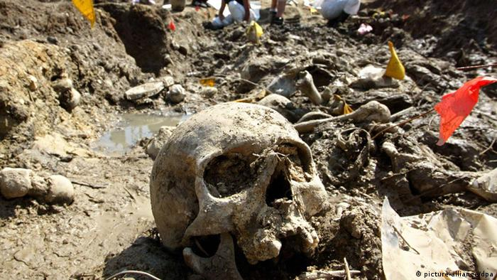 Bildergalerie Genozid Srebrenica (picture-alliance/dpa)