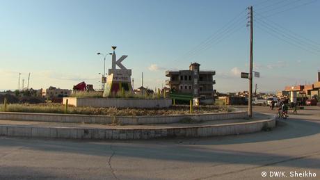 Syrien Assad-Statuen im kurdischen Gebiet (Bildergalerie)